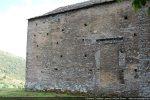 Mur nord aveugle avec porte obturée