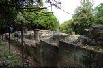 Extérieur du mur nord fait de grands blocs bien taillés (11e siècle ou 12e-13e siècles)