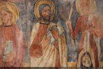 Les attitudes sont détendues. Les apôtres semblent discuter entre eux (Jean, Simon et Barthelemy)
