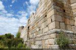 Angle sud-est: construction de beaux blocs régulièrement taillés